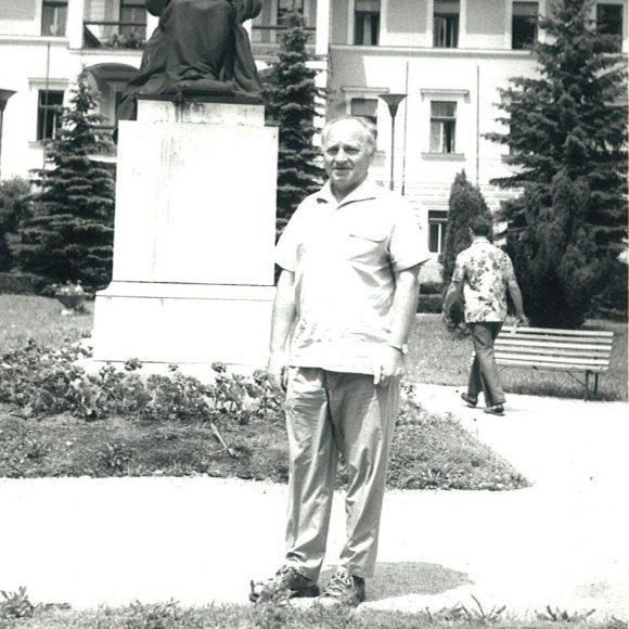 5-7-1976